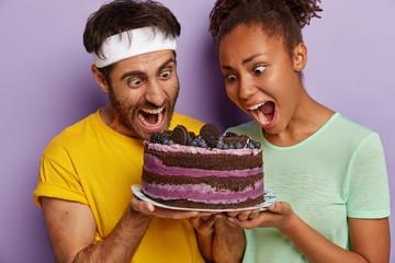 Кто любит сладкое больше, мужчины или женщины