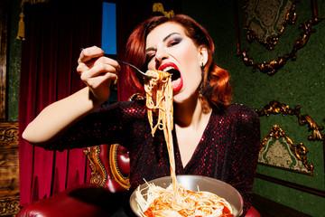 Как скажется на весе, если постоянно переедать