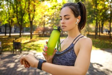 Зачем нужно пить воду в период тренировки