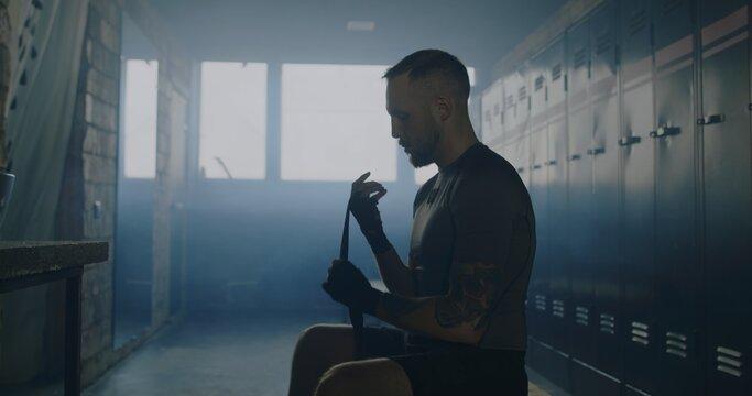 Как максимально обезопасить руки боксера от травм