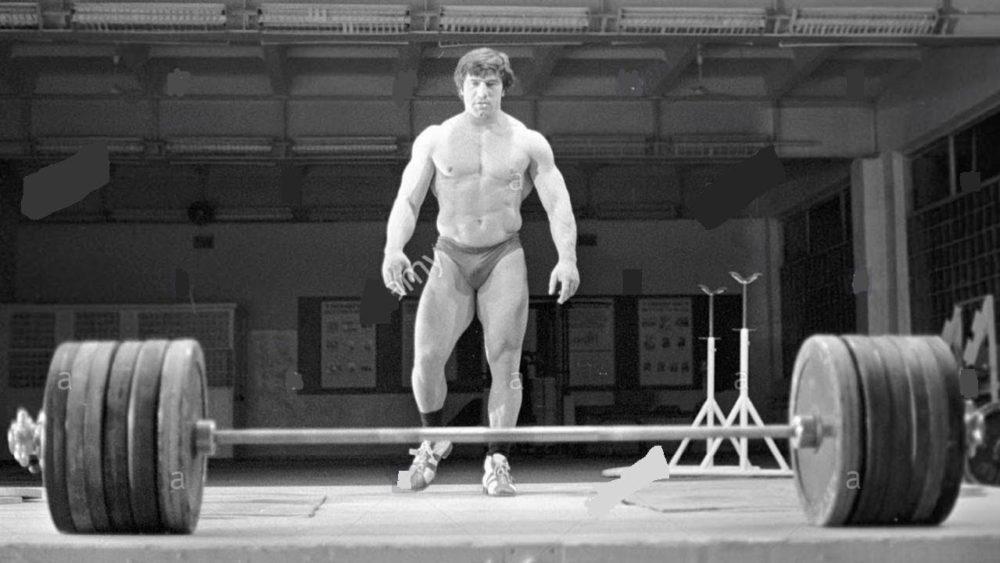 Кто является рекордсменом тяжелоатлетом века