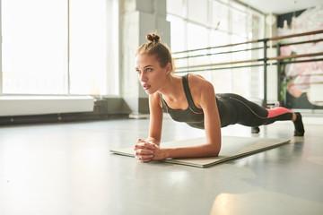 Почему ученые не рекомендуют упражнение планка