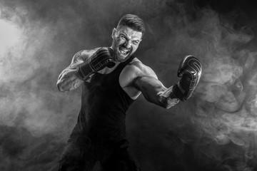 Какие существуют преимущества бойца с объемной мускулатурой