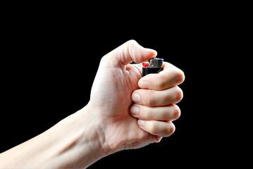 Что будет, если ударить с зажигалкой кулаке