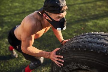 Зачем спортсмены тренируются в масках кислородного голодания