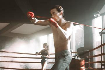 Какой основной удар имеется в арсенале любого профессионального боксера
