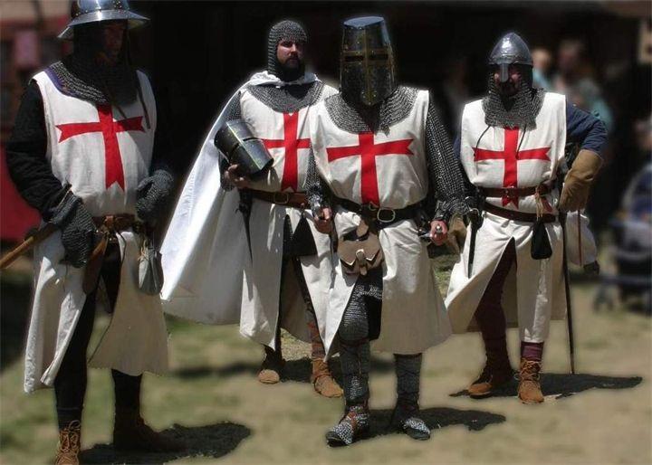 Кем были крестоносцы как они выглядели