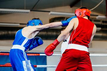 """На сколько часто в боксе применяется тактика """"проваливание"""" соперника"""