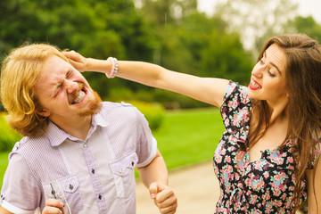 Можно ли использовать удар в ухо