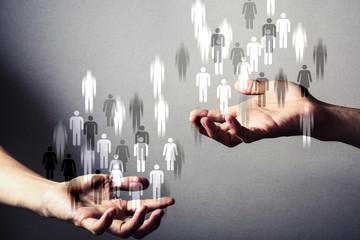 Как влияет скопление людей на сознание одного человека